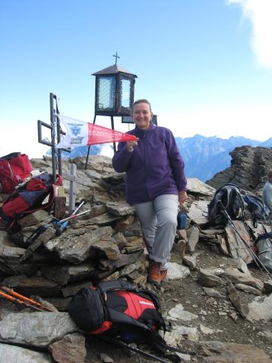 La socia Ornella Conti sulla vetta del mont Fallere